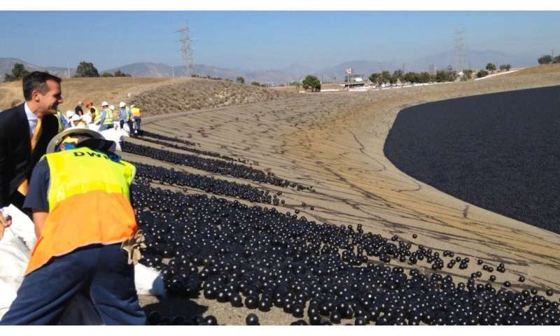 Using 'shade balls' in reservoirs may use up more water than they save