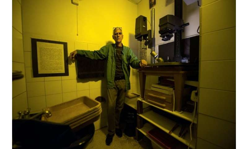 Venezuelan darkroom technician Rodrigo Benavides refuses to go digital