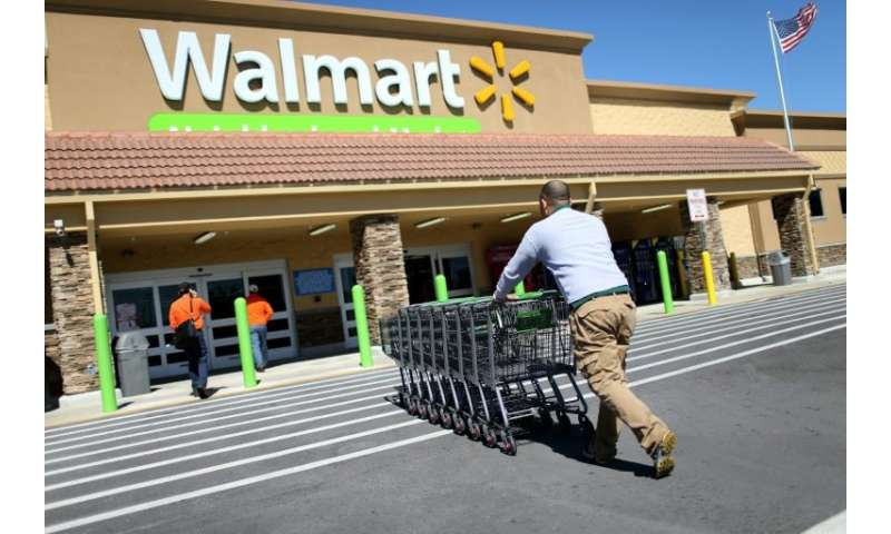 Walmart will raise the minimum wage for its US employees to $11 an hour by February, pay $1,000 bonuses, and expand maternity le