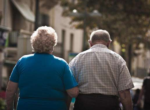 Why are the elderly increasingly more inclined to live alone?