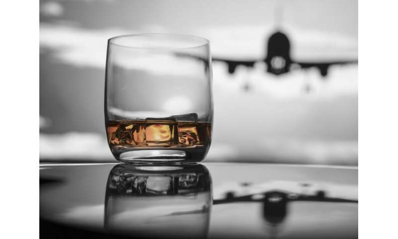 Why we should call time on airport drinking