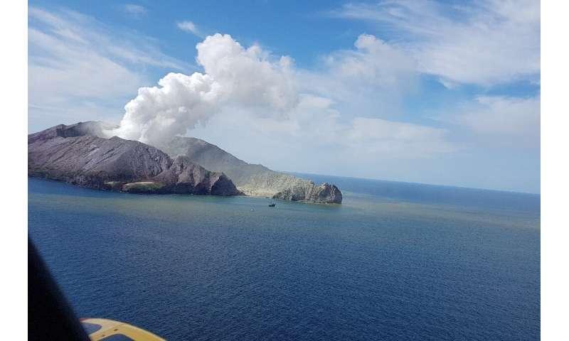 Kết quả hình ảnh cho white island volcano