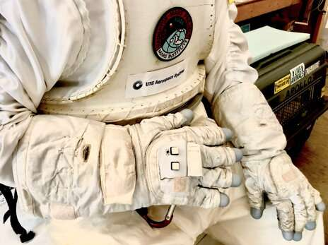 An astronaut smart glove to explore the moon, Mars and beyond