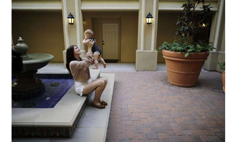 California calls pot smoke, THC a risk to moms-to-be