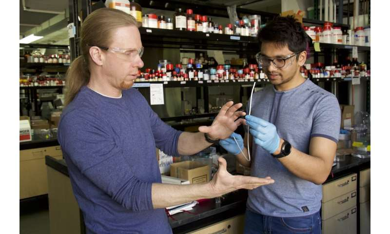 Dual-action 'slippery' catheter fights bacteria
