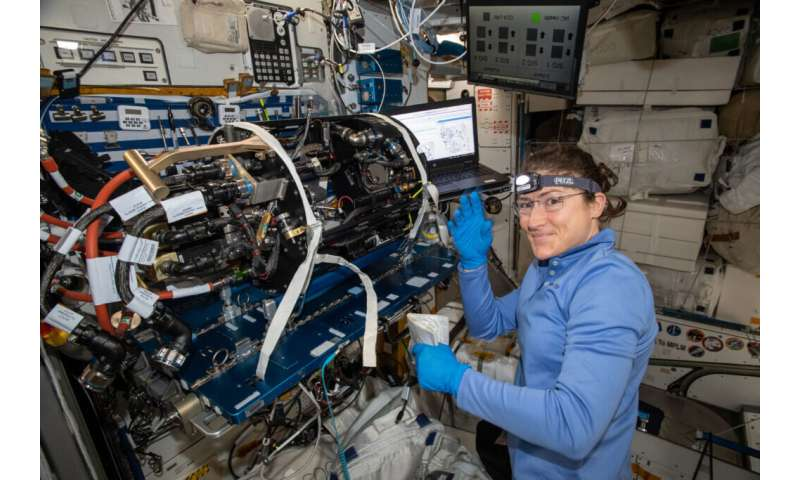 Flame design in space may lead to soot-free fire