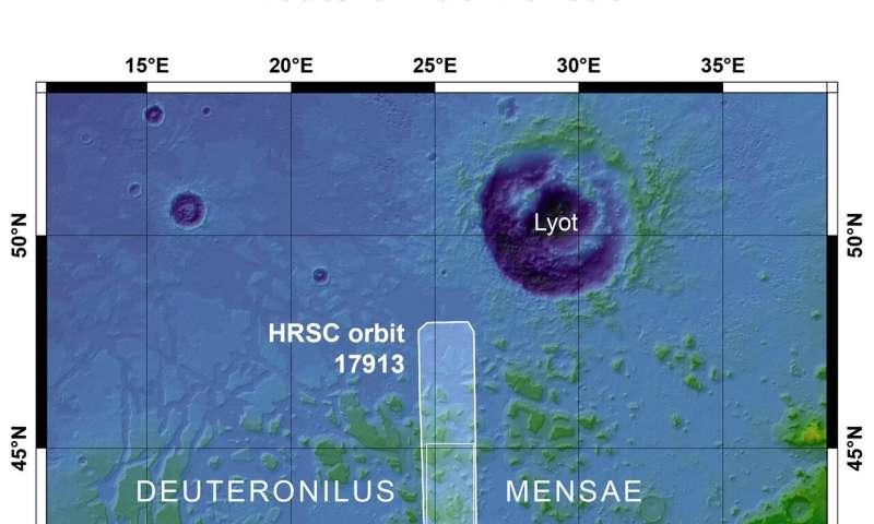 Lastre di ghiaccio fratturate su Marte