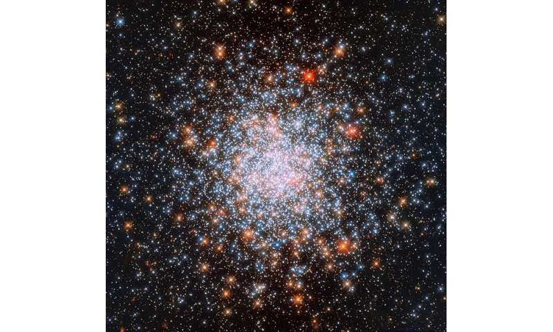Multiple stellar populations found in the cluster NGC 1866