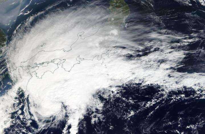 NASA finds a transitioning Tropical Storm Neoguri