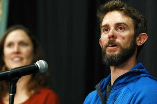 Runner recalls desperate fight with thrashing mountain lion