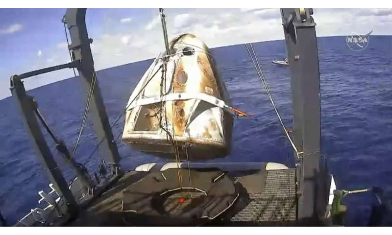 SpaceX confirms crew capsule destroyed in ground testing