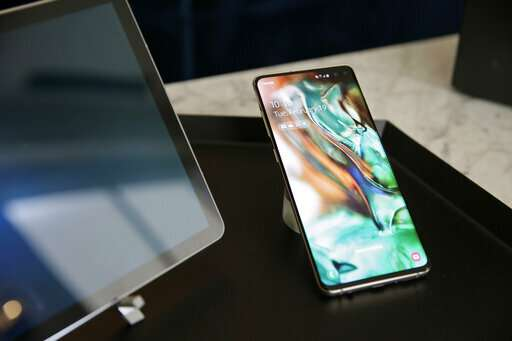 The Latest: Samsung's foldable phone will cost nearly $2000
