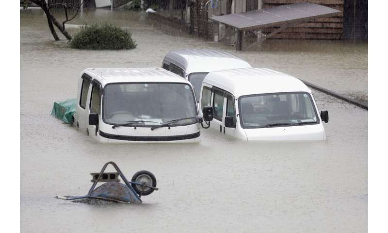 Tokyo area shuts down as powerful typhoon lashes Japan