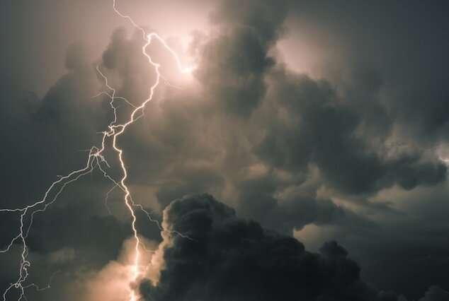 Using machine learning to improve subseasonal climate forecasting