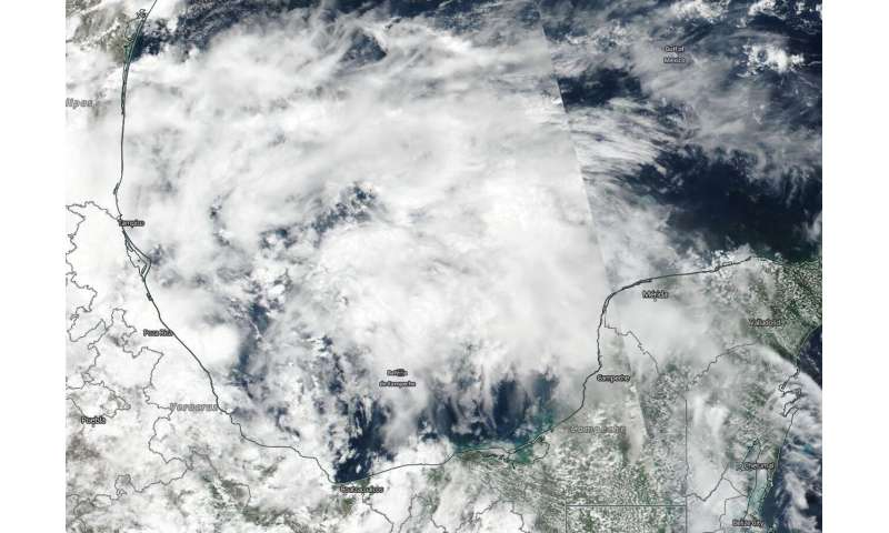 NASA-NOAA satellite sees system 91L's eeach into the western gulf of Mexico