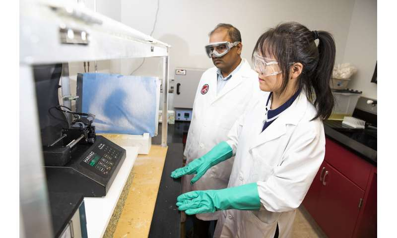 Researchers develop better method to remove toxic dyes from wastewater