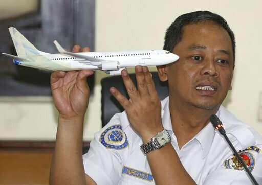 2nd crash renews safety concerns for Boeing's prized new jet