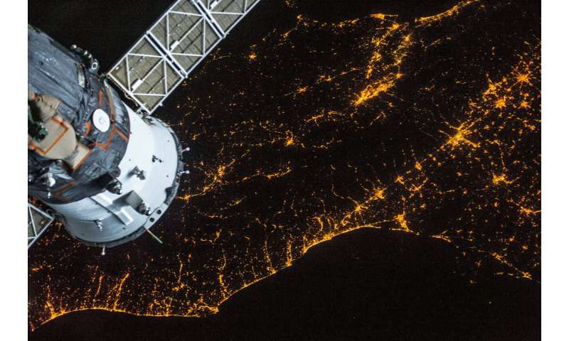 Astronauts and citizens team up against light pollution