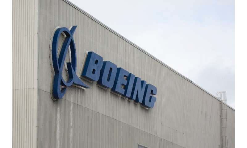 Boeing's chairman gave a forceful vote of public confidence in Dennis Muilenburg amid calls in Congress for the embattled Boeing