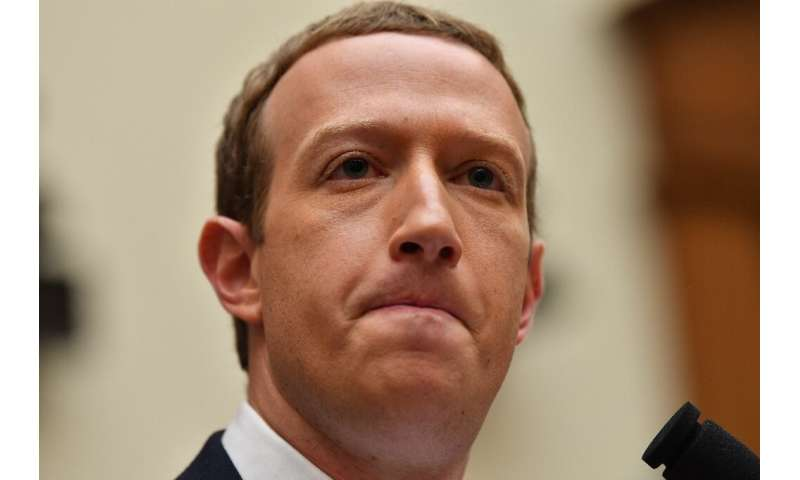 Facebook Chairman and CEO Mark Zuckerberg heard harsh comments about the social network's data protection and other practices as