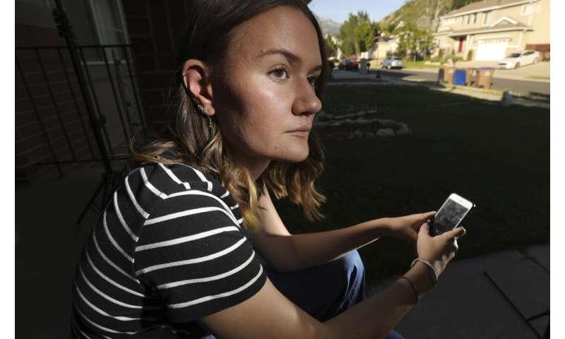 Girls cyberbullied more than boys amid US harassment rise