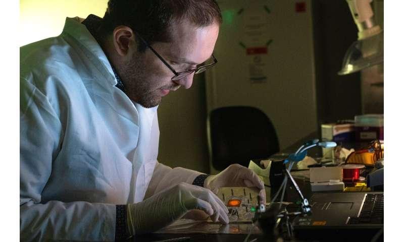 Overlap allows nanoparticles to enhance light-based detection