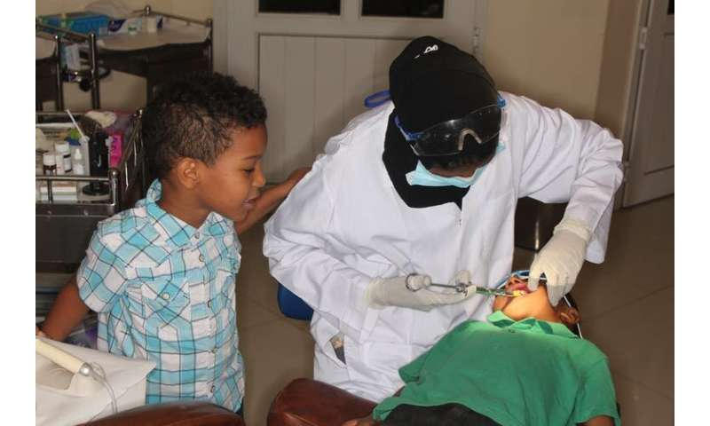 Saving children's teeth in Sudan – without anaesthetic or drills