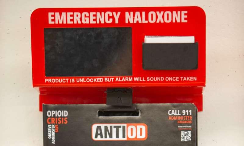University of Cincinnati design team creates a naloxone dispenser