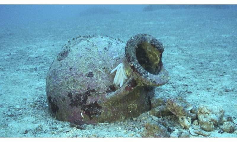 22 ancient amphoras found off Albanian coast