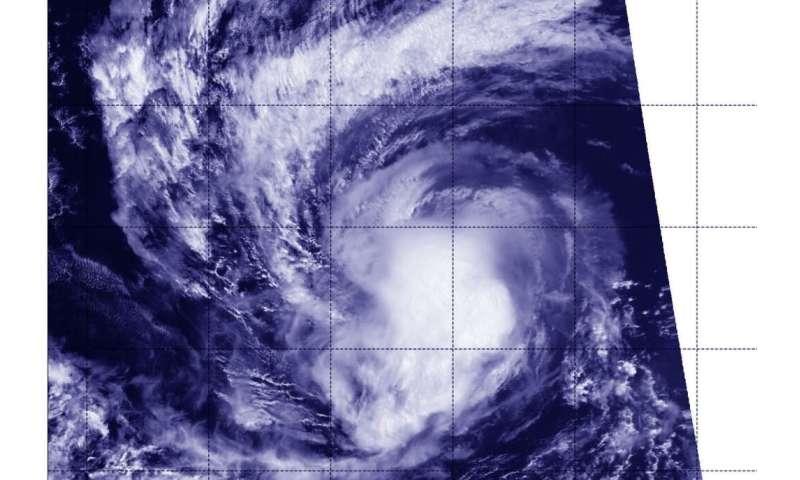 NASA-NOAA satellite catches Hurricane Kiko at night