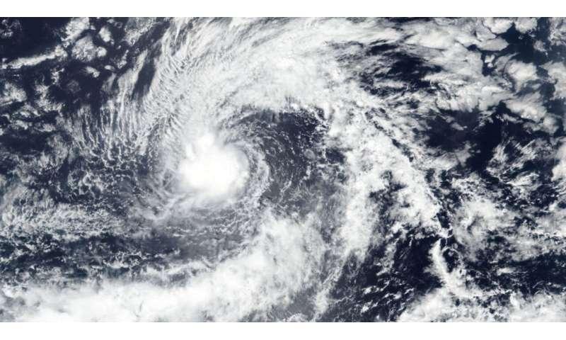 NASA-NOAA satellite sees a tight circulation in Tropical Storm Kiko