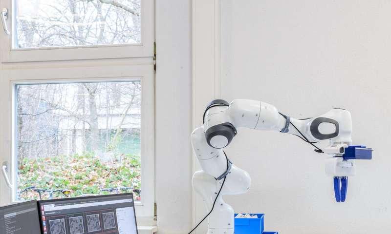 **An algorithm to teach robots pre-grasping manipulation strategies