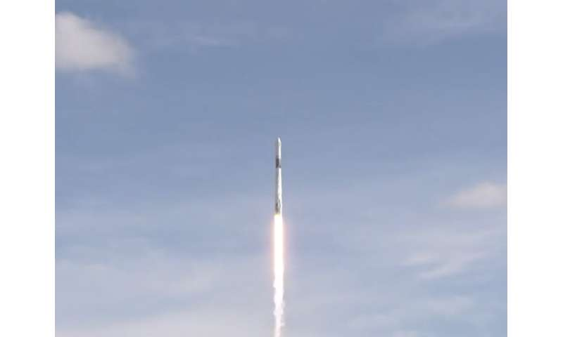 SpaceX dragon en route to space station with NASA science, cargo