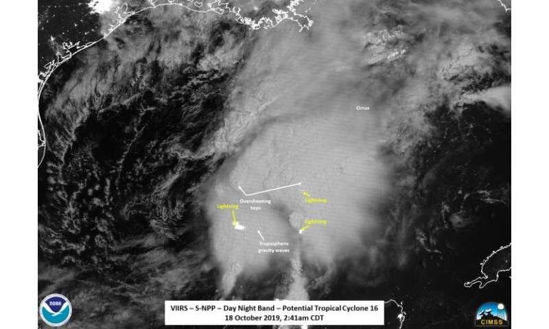 NASA-NOAA satellite finds overshooting tops, gravity waves in Tropical Storm Nestor