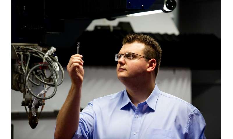 3D printed tool cuts through titanium, wins innovation prize