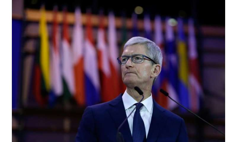 Apple CEO Tim Cook said any US privacy legislation should allow consumers to see what data is being collected online and delete
