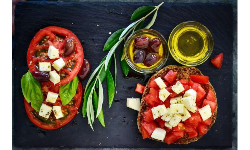 Mediterranean diet tied to 30 percent risk reduction for diabetes in Women's Health Study thumbnail