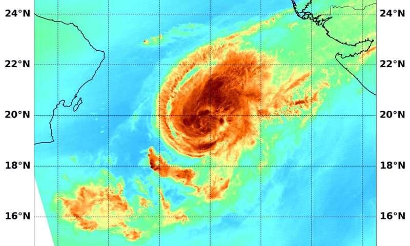 NASA looks at Tropical Cyclone Maha's water vapor concentration