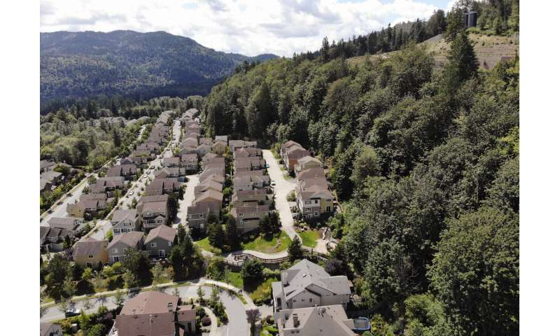 US Northwest towns 'woefully unprepared' as fire risk grows