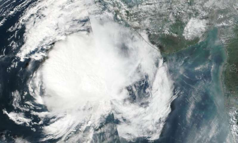 NASA-NOAA satellite finds tropical Cyclone Maha weakening