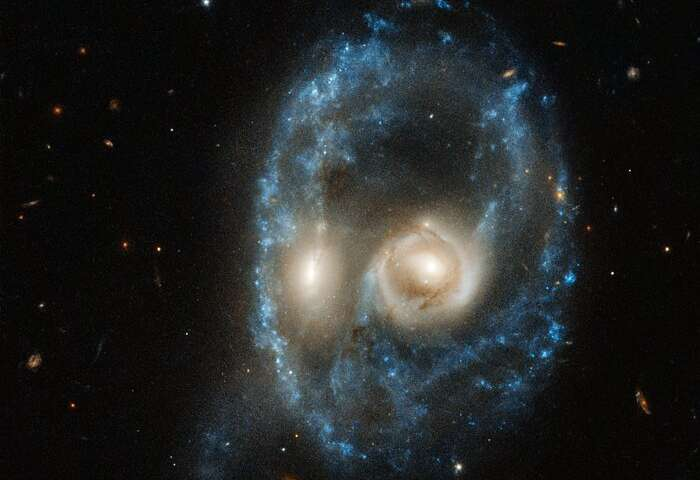 Hubble captures cosmic face