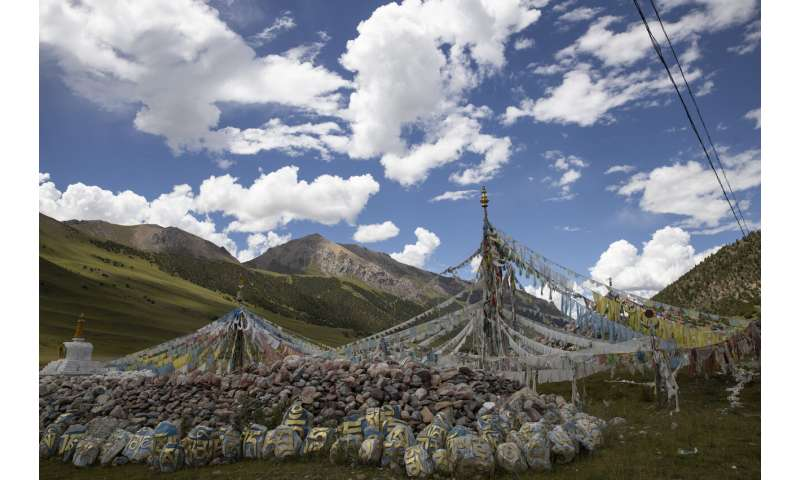 China aims to build its own Yellowstone on Tibetan plateau