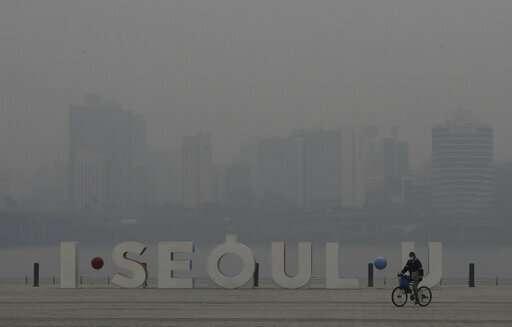 Heavy smog, worsened by weather, raises alarm across Asia
