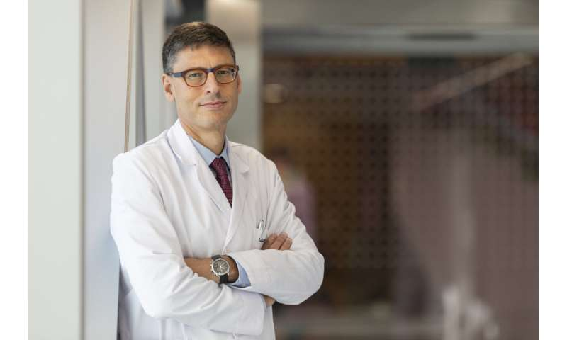 New treatment improves survival in women newly diagnosed with advanced ovarian cancer