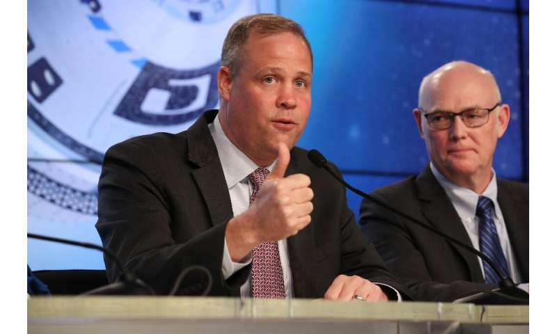 NASA Administrator Jim Bridenstine (L) says Boeing's Starliner capsule accomplished at least some of its objectives