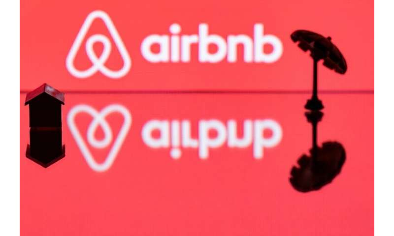 Airbnb said it hired aviation veteran Fred Reid to head travel partnerships for the lodging startup