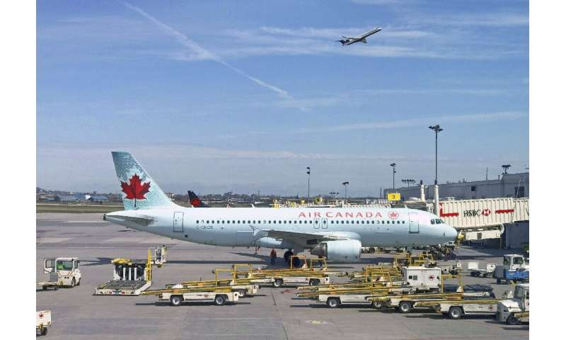 Air Canada says it is buying tour operator Transat