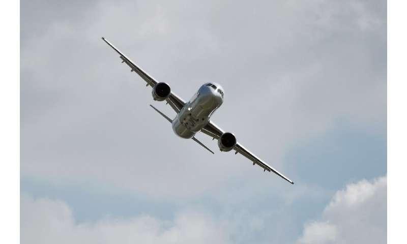 Un prototype de MC-21 a effectué son vol inaugural en 2017, mais la fabrication en série a été retardée, en partie à cause des sanctions américaines