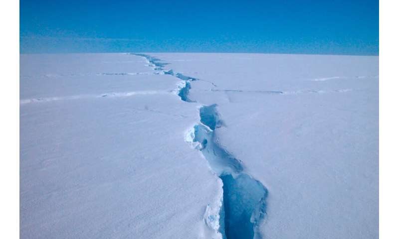 "An Australian Antarctic Division image shows a ""loose tooth"" on the Amery Ice Shelf in eastern Antarctica"