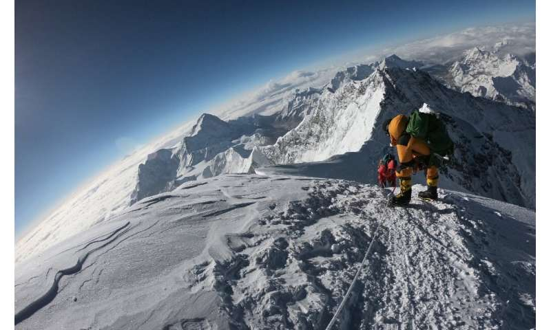 A short weather window  resulted in fatal bottlenecks to Everest's peak in 2019